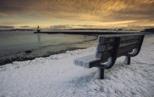 9: -25F Before sunrise, at The Spring Point Ledge Lighthouse in South Portland